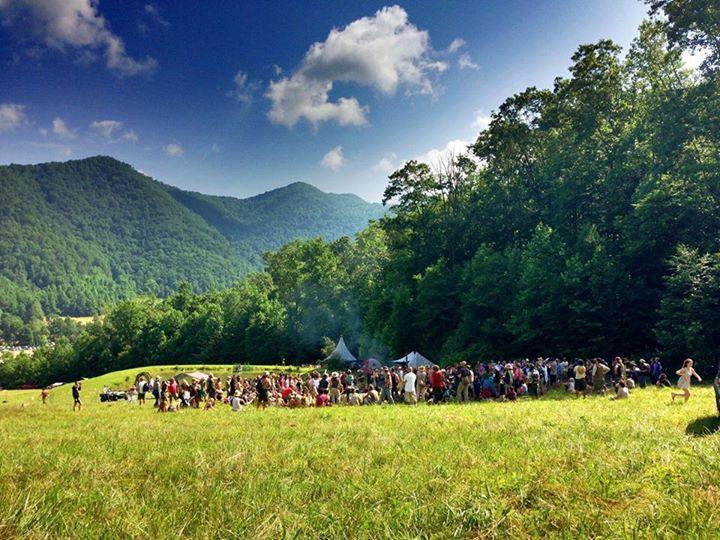 Firefly Gathering, o festival que promove conexão com a natureza.