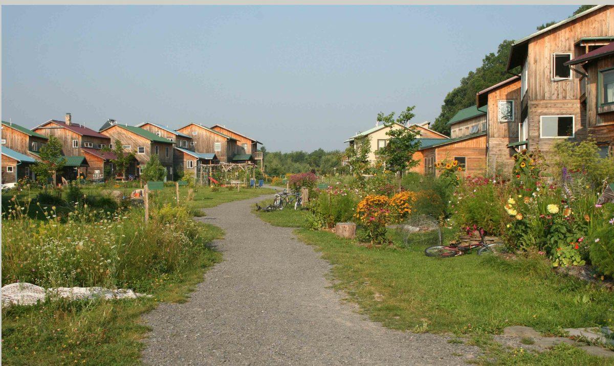 O modelo de vida sustentável das ecovilas