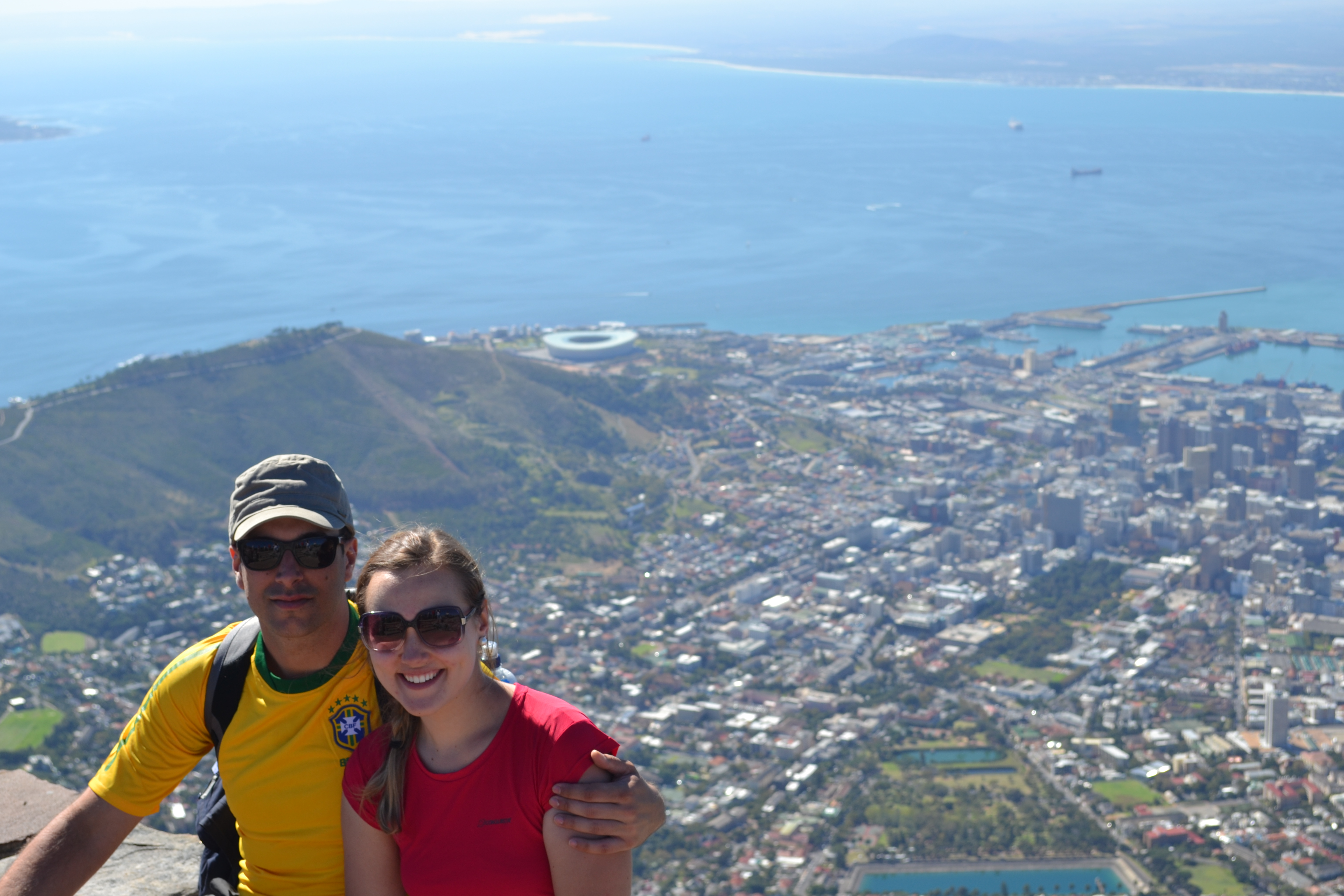 Caio e Danielle no alto da Table Mountain, na Cidade do Cabo, África do Sul