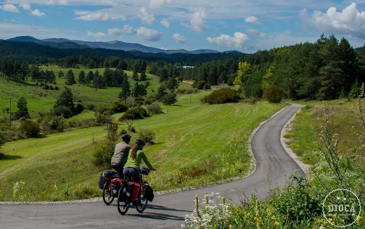 Cicloentrevistas: Casal larga o emprego e viaja pelo mundo de bicicleta