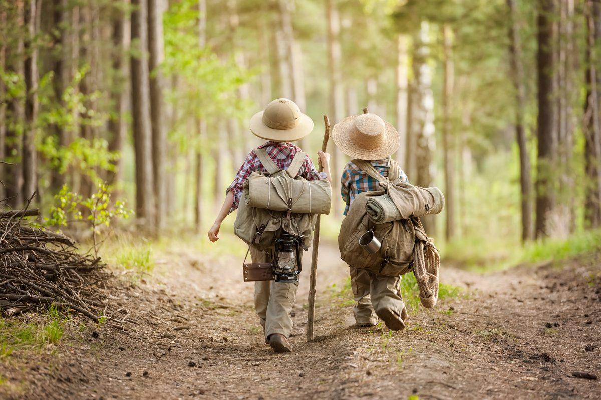 Crianças que acampam são mais felizes e saudáveis, sugere estudo