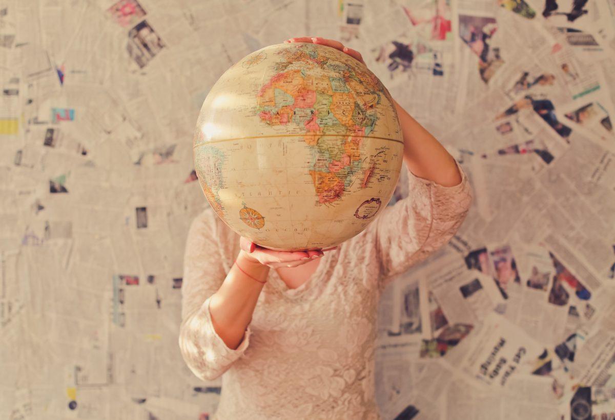 Aprenda como reproduzir o mapa-múndi na sua parede