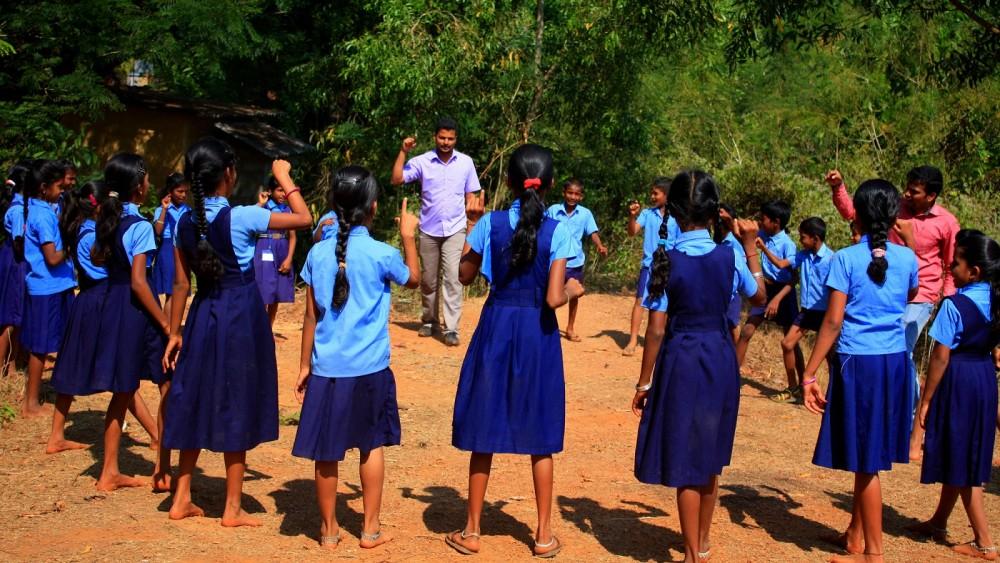 Play for Peace: organização que leva alegria a comunidades fragilizadas