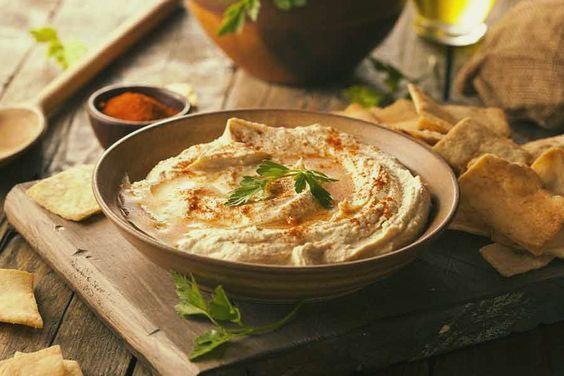 Aprenda a fazer Homus, uma pasta árabe de grão de bico