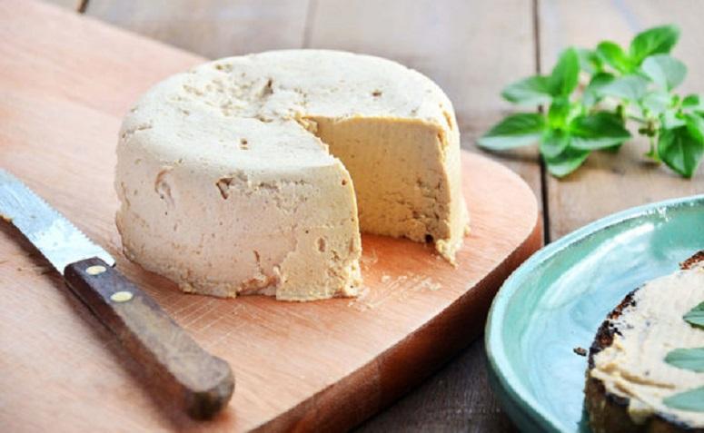 Aprenda a fazer 3 tipos de queijo vegano