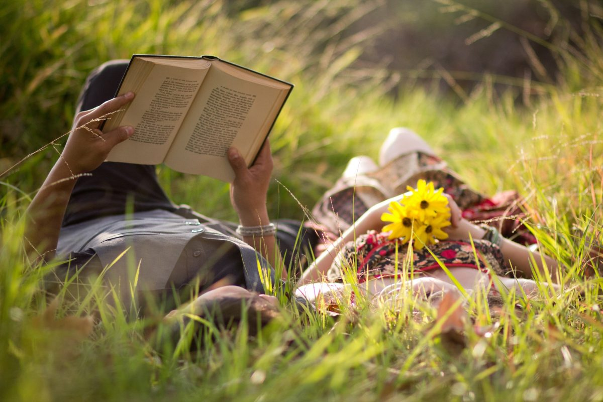 lendo na natureza