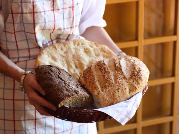 Aprenda como fazer 3 pães caseiros que não necessitam de forno