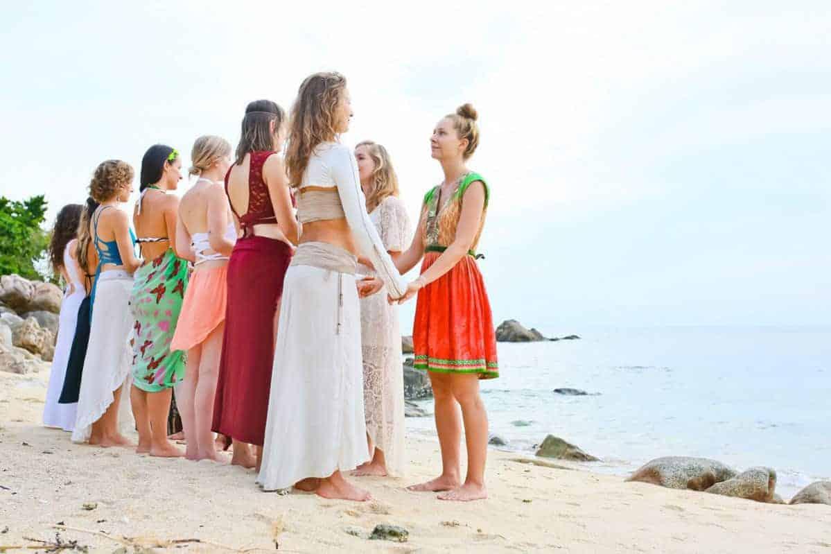 """7 coisas para """"deixar de lado"""" no círculo de mulheres"""